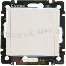 Розетка Z с заземлением и крышкой 16А IP20 Legrand Valena 774422 белая
